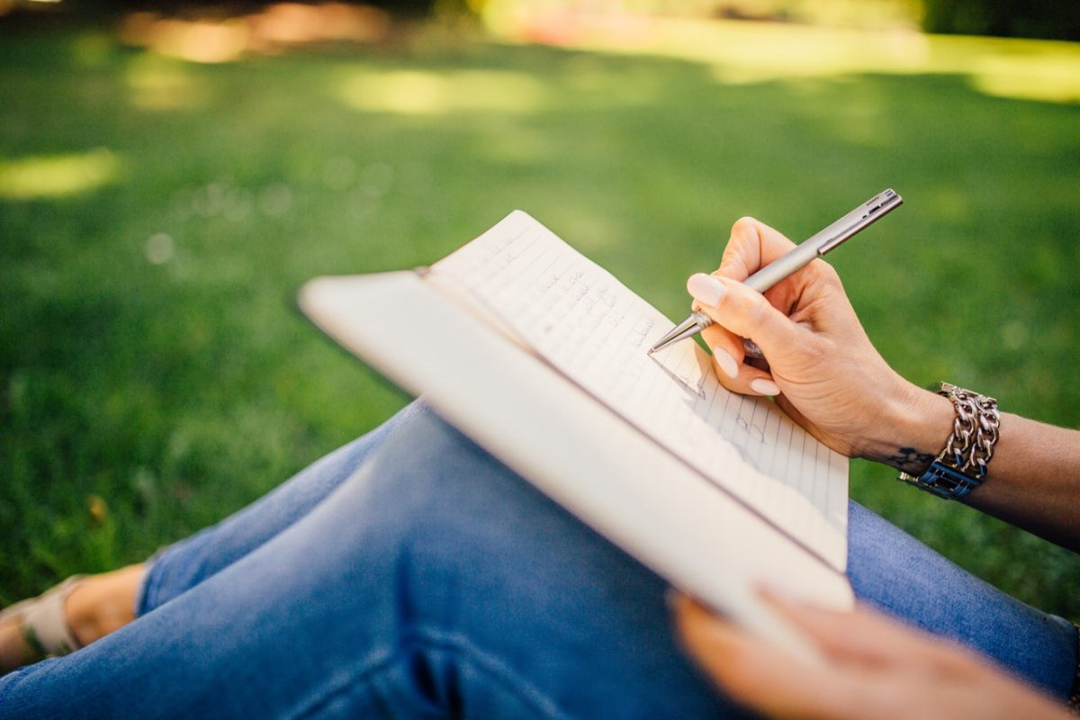 Pisanie na kolanie